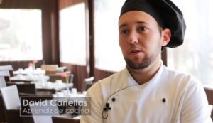 David, aprendiz de cocina, y Daniel, aprendiz de Sala, nos cuentan su experiencia en Formación Dual en el Hotel Lindner