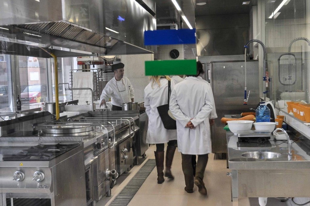 Más de 100  empresas visitan Esment Escola Professional