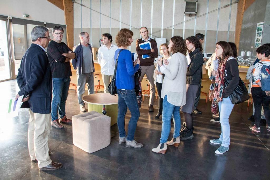 8 organizaciones de economía social miembros de la Associación Sinergrup visitan Esment Escola Professional
