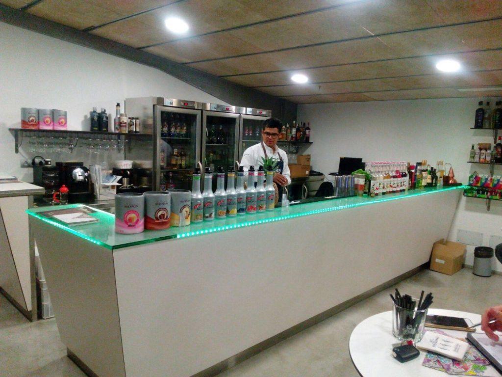 Visita aBodegas Túnel, de la mano deOTC Groupy el bantender Alejandro Jaramillo