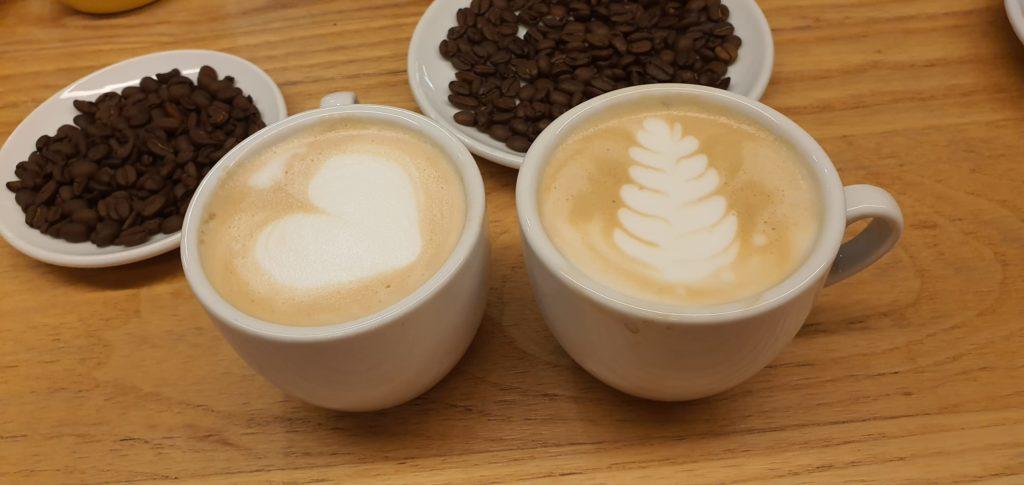 Latte Art con Javier Fernández, barista de Cafés Salzillo Tea And Coffee